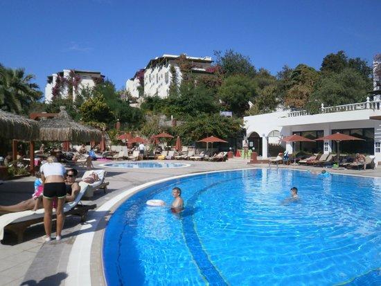 Kadikale Resort : main pool