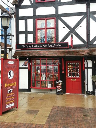 Magical picture of stmo 39 s magic alley stratford upon for The little house shop
