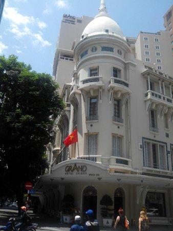 Отель - фасад старого здания