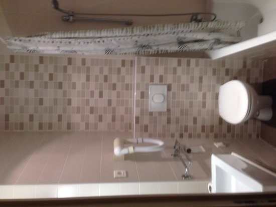 Hotel de la cite Rougemont: Bathroom