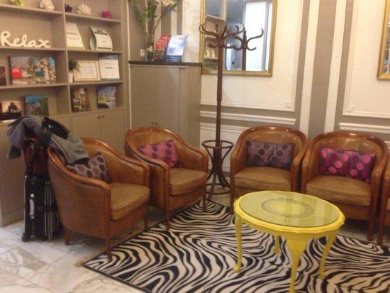 Hotel de la cite Rougemont: By reception