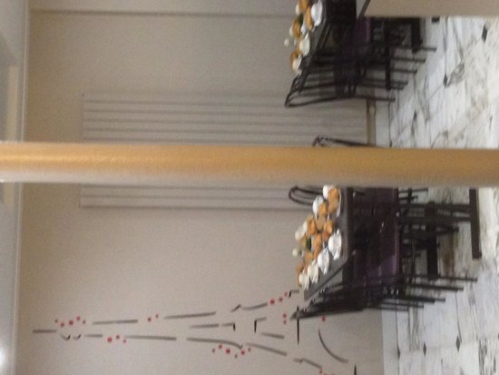 Hotel de la cite Rougemont: Breakfast area