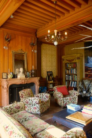 Chateau de Burnand : Our new salon look
