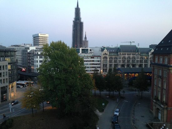 Steigenberger Hotel Hamburg: View from our suite