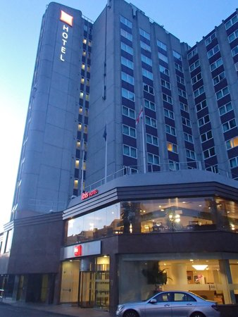 Ibis London Earls Court : hotel ibis London Earles Court正面