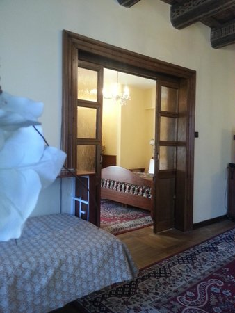 Aurus Hotel