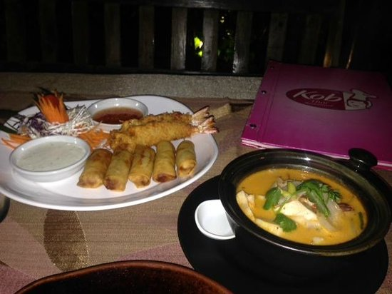 Kob Thai Restaurant: Appetizer and Tom Yum Goong - so delicious