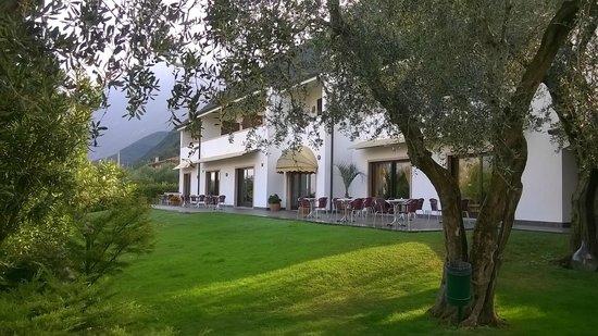 Campagnola, Italy: Vista Hotel dal giardino