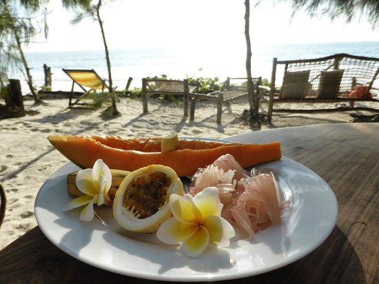 Robinson's Place: Breakfast with a view