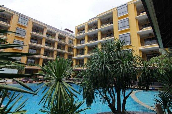 Mantra Pura Resort & Spa : ตึกใหม่ติดสระว่ายน้ำ