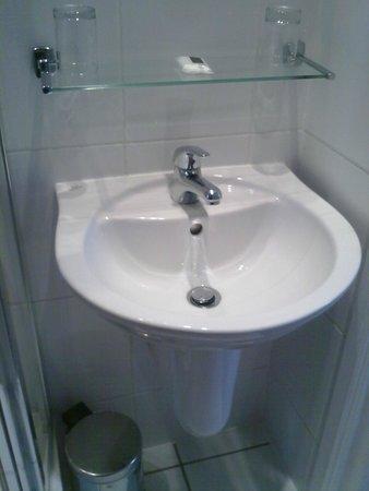 Best Western The Stuart Hotel: Sink