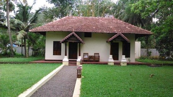 Akkarakalam Memoirs: Kerala Cottage - 2 interconnected rooms
