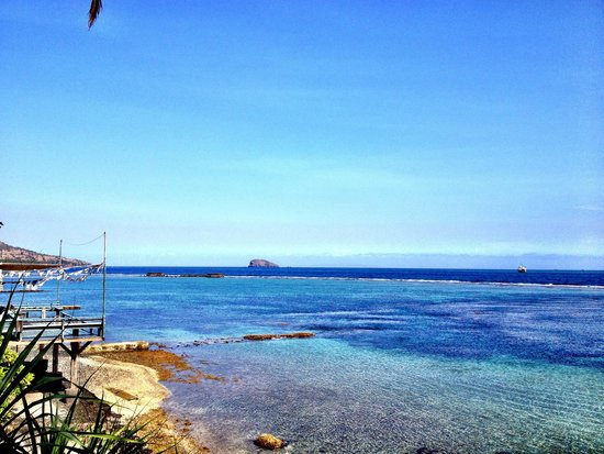 Pondok Pisang : View from the front bungalow onto the Lombok Strait