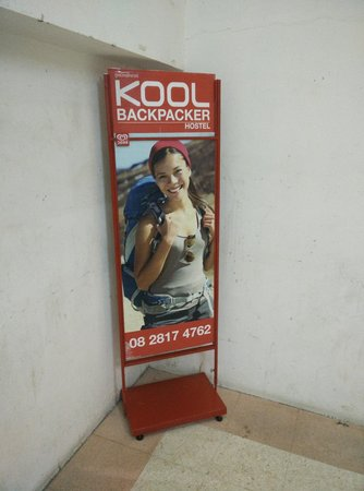 Kool Backpacker Hostel : Signs at staircase