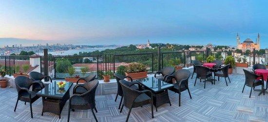 Agora Life Hotel : Terrace