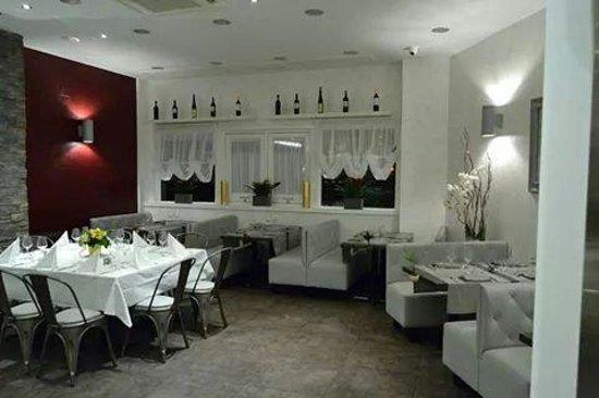Piazzetta Portaportese: La sala1