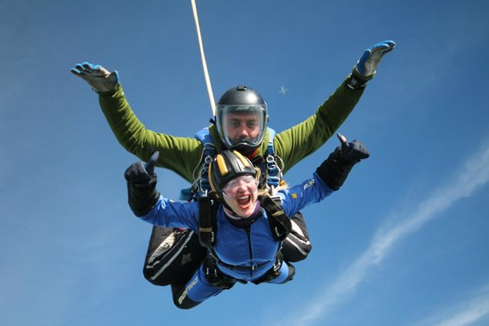 Skydive Buzz Ltd: Amazing feeling Tandem Skydive