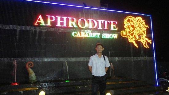 Aphrodite Cabaret Show : The Sign