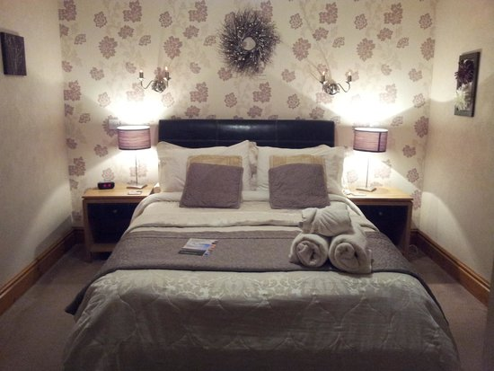 The Cottage : room
