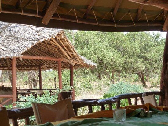 Ndololo Camp: Visuale dalla zona ristornate