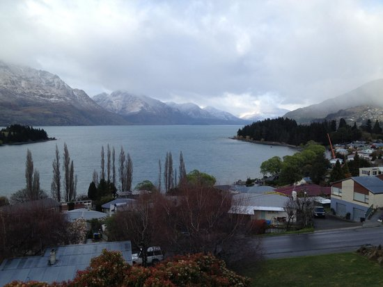 Earnslaw Lodge: Balcony view