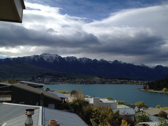Earnslaw Lodge: More balcony heaven