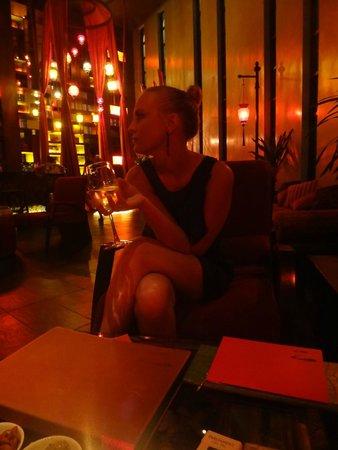Mantra Restaurant & Bar: В ожидании столика