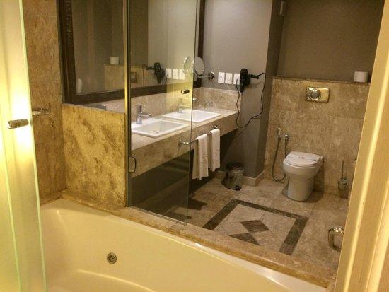 Foto de Grand Palladium Imbassai Resort & Spa, Imbassai Banheiro com pia -> Altura Ideal Pia De Banheiro