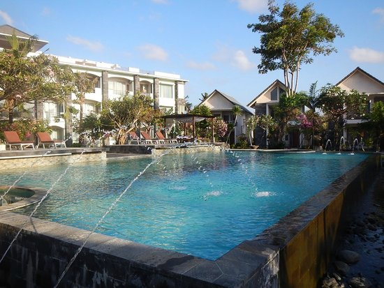 grosser pool bild von hotel alit 39 s beach sanur tripadvisor. Black Bedroom Furniture Sets. Home Design Ideas
