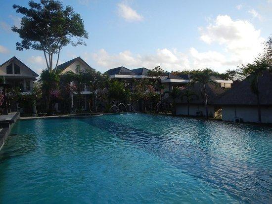 Hotel Alit's Beach : grosser Pool