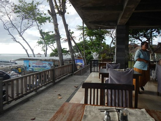 Hotel Alit's Beach : Restaurant mit Meerblick