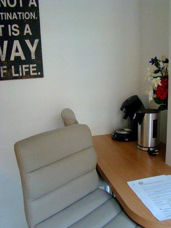 Short Stay Apartment Museum View: Barra con butacas comodísimas