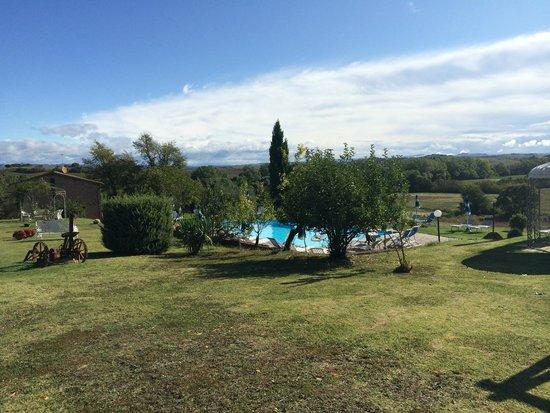 Agriturismo San Giorgio: Property ground with pool