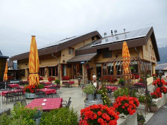 Hotel-Restaurant Ronalp: Aussenanlagen