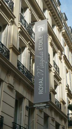 Hotel Magda Champs Elysées: in de straat