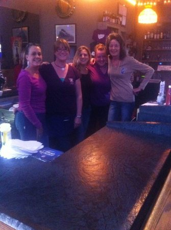 Hiawatha Restaurant & Lounge : Fun and Friendly Staff