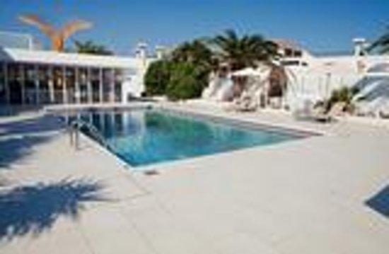 L'eros Hotel: pool area