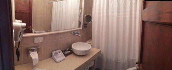 Carilo Soleil: Bathroom