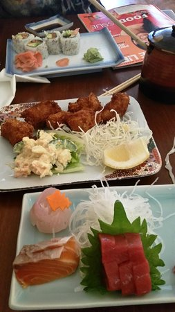 Temari Japanese Cafe: Fried Oyster and Sashimi special  and Sushi