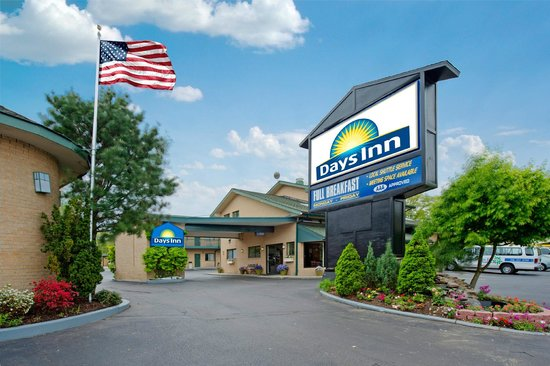 Resultado de imagen para days inn at woodbury new york
