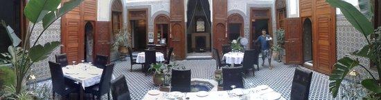 Dar Roumana: Restaurant