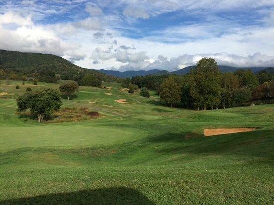 Reems Creek Golf Club: Behind #14, overlooking the valley