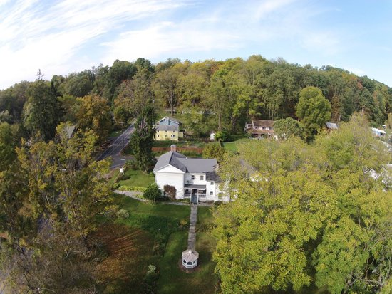 AERIAL VIEW OF THE FEDERAL HOUSE B & B