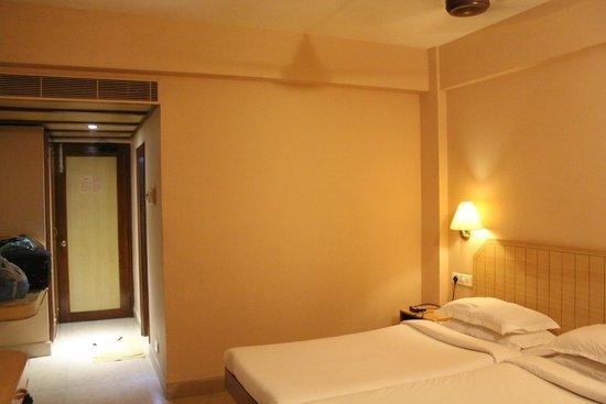 Hotel Surguru: Room - 3