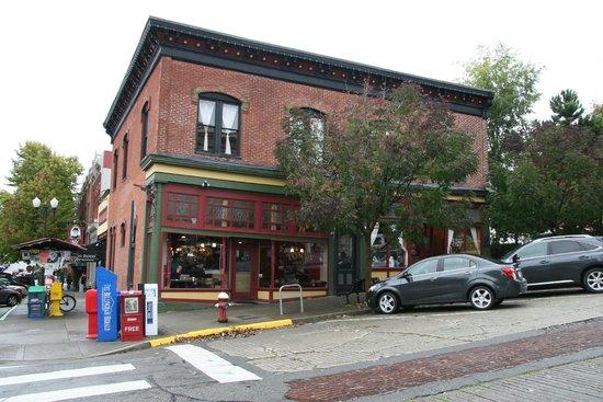 Harris Avenue Cafe and Tony's Coffee: Great coffee