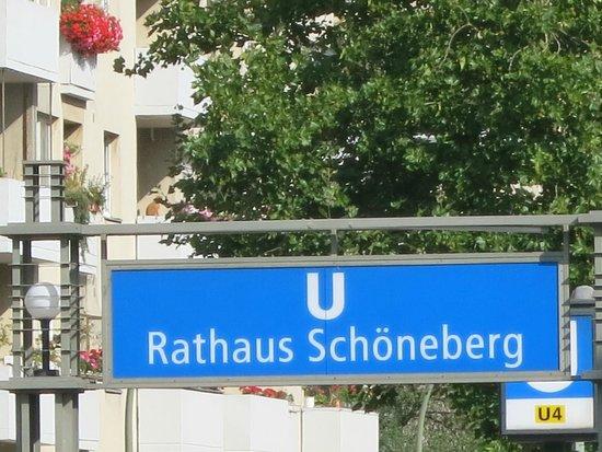 Schoneberg Rathaus: U-Bahn Halt