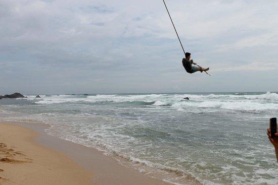 EKA Beach: The swing rope
