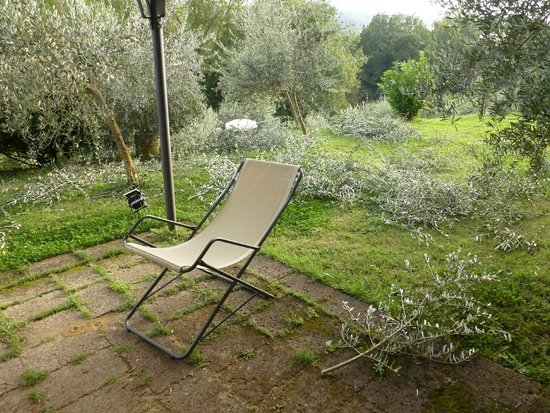 Nibbiano : Lovely place to sit outside if it wasn't for all the garden rubbish which was never removed