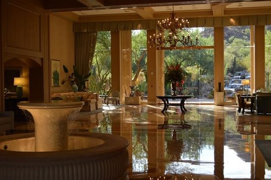 The Canyon Suites at The Phoenician: The beautiful Canyon Suites 'Lobby'