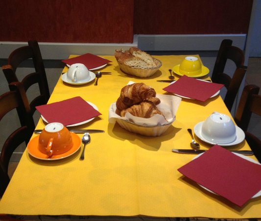 Le Mulberry: Breakfast at P'tites Plate